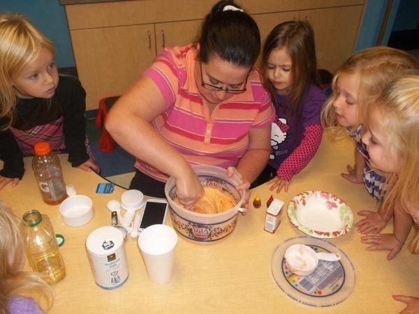 food_activity_at_cadence_academy_preschool_louisville_ky-600x450