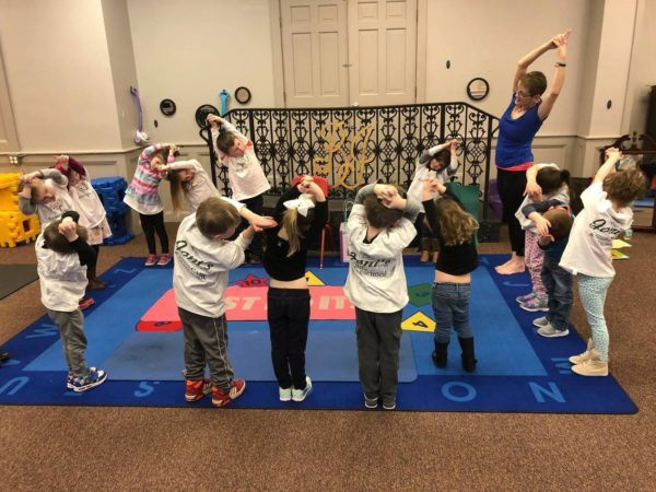 gymnastics_class_jonis_child_care_preschool_burlington_ct-600x450