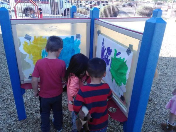 outdoor_art_activity_at_phoenix_childrens_academy_private_preschool_surprise_az-600x450