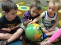 preschool_boys_looking_at_globe_cadence_academy_ofallon_mo-1024x765-602x450