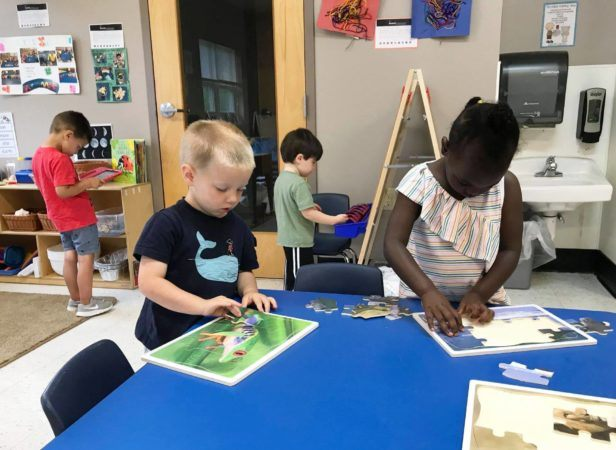 preschool_children_doing_puzzles_gateway_academy_mckee_charlotte_nc-616x450