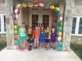preschool_children_hanging_out_in_entrance_of_winwood_childrens_center_lansdowne_va-600x450