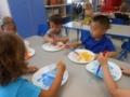 preschool_children_painting_winwood_childrens_center_lansdowne_va-600x450