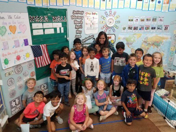preschool_class_posing_at_cadence_academy_preschool_broadstone_folsom_ca-600x450
