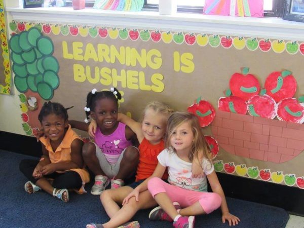 preschool_girlfriends_at_cadence_academy_preschool_harbison_columbia_sc-600x450
