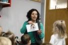 preschool_teacher_teaching_spanish_to_preschoolers_winwood_childrens_center_leesburg_va-675x450