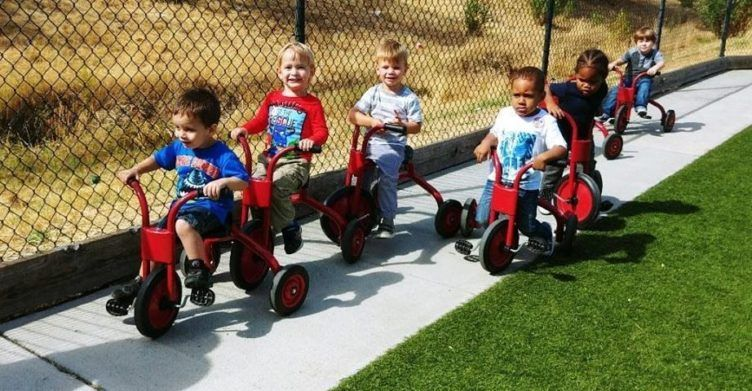 preschoolers_on_tricycles_at_the_phoenix_schools_private_preschool_antelope_ca-752x391