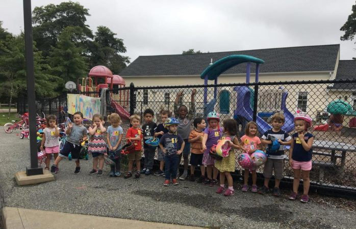 preschoolers_ready_for_st_jude_trike-a-thon_jonis_child_care_preschool_canton_ct-698x450