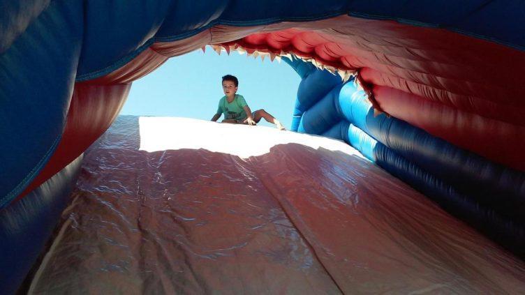 shark_water_slide_cadence_academy_preschool_broadstone_folsom_ca-752x423