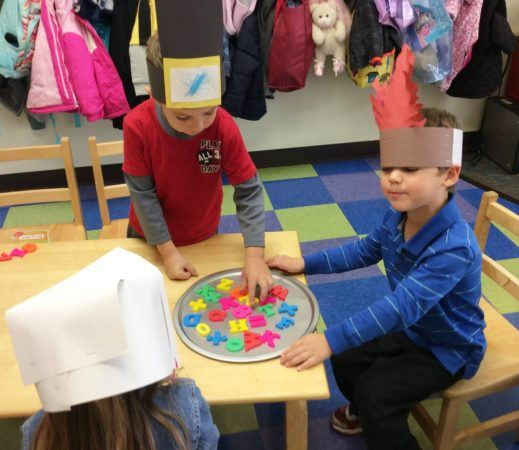thanksgiving_hats_and_letter_activity_at_carolina_kids_child_development_center_fort_mill_sc-519x450
