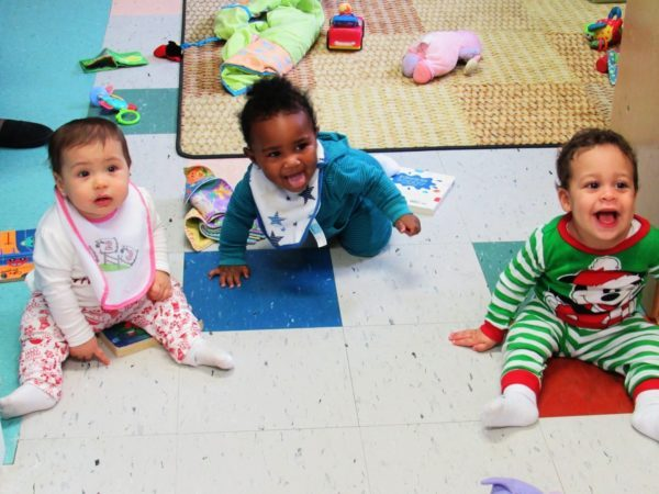 toddlers_having_fun_at_cadence_academy_preschool_harbison_columbia_sc-600x450