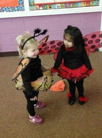 toddlers_in_butterfly_and_lady_bug_costumes_prime_time_early_learning_centers_edgewater_nj-333x450