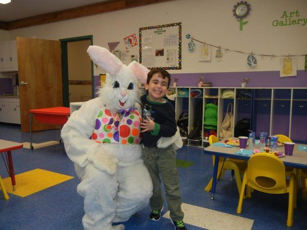 visit_from_the_easter_bunny_creative_kids_childcare_centers_kent-600x450